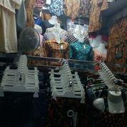 Kios Batik Strategis Di Lantai 2 Pasar Brigharjo Yogyakarta