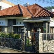Rumah Besar Asri Daerah Malang Dengan Harga Sangat Murah