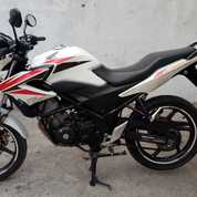 CB 150r White Red Thn 2015, Body Mulus