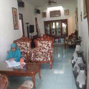 Rumah Second Tingkat Dekat Jalan Ratna Jatibening