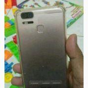 Asus Zoom S 4/64gb