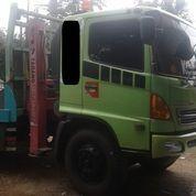 Self Loader Truck Hino 500 Model FM260TI Tahun 2013