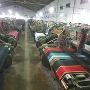 Pabrik TENUN/SARUNG PEKALONGAN (Sub. WADIMOR)