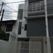 Rumah Baru 3 Lantai Di Pondok Indah Siap Huni