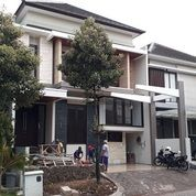 Rumah South Emerald Mansion Lux MINIMALIS