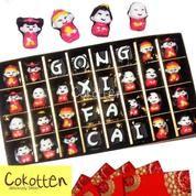 Cokelat Imlek Tulisan Gong Xi Fa Cai Dalam Box Karton Tutup Mika Besar