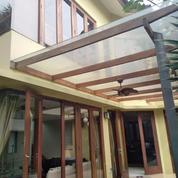 Rumah Bagus Balkon Minimalis 2Lt. Lokasi Strategis Jl. Kecapi Akses TOL Tb. Simatupang