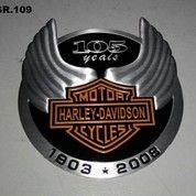 Emblem Timbul Aluminium 105th Harley Anniversary.87x82
