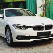 BMW 320i Sedan Sport Luxury 2018