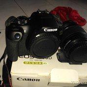 Canon DSLR 1300D.