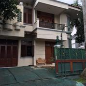 Rumah 2 Lantai, Kondisi Terawat Dekat Dengan Tol Jatibening. Harga Nego