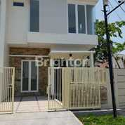 Rumah 2 Lantai Di Babatan Pantai Baru Gress Bergaya Minimalis Cocok Untuk Investasi, Surabaya