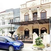Villa Komplek Millenium Square (Jalan Kapten Muslim) Medan