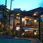 Villa SANGAT BAGUS & MEWAH Berperabot Lengkap Di Bukit Idaman, Bandung