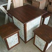 Meja Santai Kotak Antik Alami