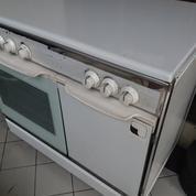 Kompor Freestanding Technogas 4 Tungku + Oven