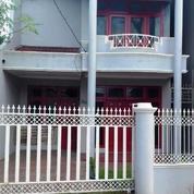 Rumah 2 Lantai Dalam Komplek Di Jatiwaringin Pondok Gede