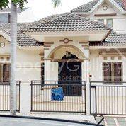 Villa Komplek Cemara Asri Jalan Mangga Medan