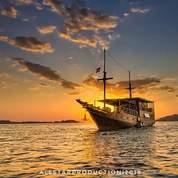 Kapal Layar Motor Phinisi