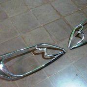 Garnish Lampu Depan Honda Freed
