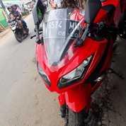 Motor Kawasaki Ninja Tahun 2015 Warna Merah