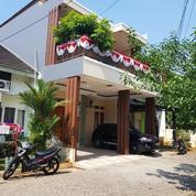 Rumah Bagus 2 Lt, Fully Furnish, Lok. Strategis Akses TOL Jatiasih, Jatiasih Bekasi