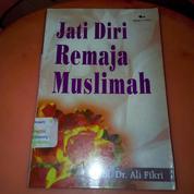 Buku Jati Diri Remaja Muslimah