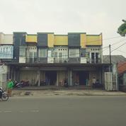 3 Unit Ruko Gandeng Berlokasi Di Jl. Raya Karadenan