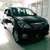 Toyota Avanza S Matic Tahun 2010 Hitam Metalik DP5