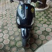 Vespa S150 IE 2012