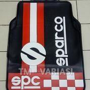 Karpet Mobil Universal Motif SPC Racing Bendera Putih Merah Dasar Hitam