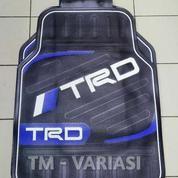 Karpet Mobil Universal Motif TRD Garis Melintang Hitam List Biru