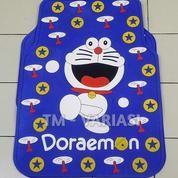 Karpet Mobil Universal Motif Doraemon Baling Bintang Dasar Biru