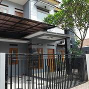 Rumah 2 Lt. Semi Furnish, Unit Pojok Dlm Townhouse Di Tanjung Barat, Jakarta Selatan
