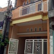 Rumah Baru Di Setro Baru Tempat Strategis , Daerah Surabaya