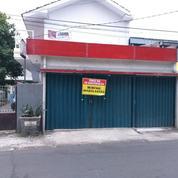 DI SEWAKAN TOKO / KIOS Daerah Condet Batu Ampar Pinggir Jalan Raya Lokasi Strategis