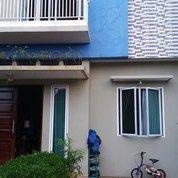 Rumah Cantik 2 Lantai Asri Nyaman Dalam Town House Di Pondok Aren.