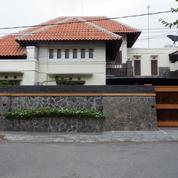 Rumah Mewah Di Jl. Pulau Moyo, Denpasar.