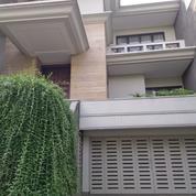 Rumah Di Kebayoran Baru, Mewah 3Lt. Di Hang Lekiu, Lok. Strategis, Akses Senayan Dan Area Sudirman