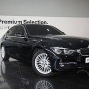 BMW 320i Luxury (2018)