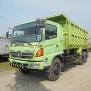 Tronton Double Gerdang Dump Truk Hino FM 260 JD Tahun 2012