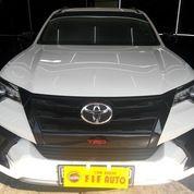 Toyota Fortuner 2.4 VRZ TRD 2018 AT Putih