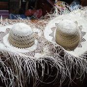 Topi Pandan Pantai