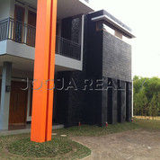 Villa Jl Palagan Ngaglik Sleman Bonus Tanah Cocok Gues House