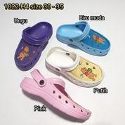 Sandal Sendal Sepatu Anak Cewe Perempuan Kokop Tali Belakang Winnie The Pooh