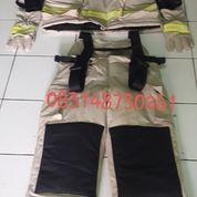 Jaket Pemadam Kebakaran Anti Bara Dan Tahan Api