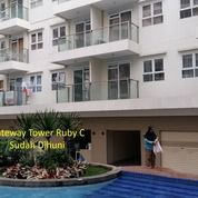 Kios Strategis Depan S'pool Di Apartemen Gateway Tower Ruby Bandung