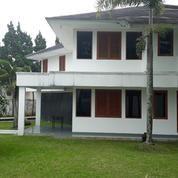 Rumah Huni Taman Luas Di Dago