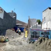 #R0003 Brand New Classy House At Mojoklanggru 2FLOOR SHM Affordable Price
