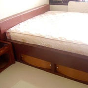 Dipan Minimalis Plus Laci Untuk Ruangan Kamar Sempit - Furniture Interior Semarang